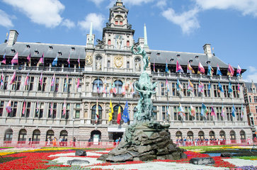 Grand-Place di Anversa - capitale mondiale del diamante