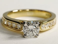 Yellow gold diamond solitaire with paving - BP03
