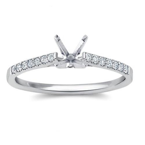 varietà di disegni e colori maggiore sconto di vendita selezione più recente Anello Solitario accompagnato da un diamante princess – BP04