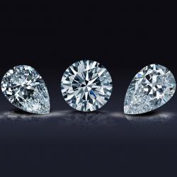 diamanti bianchi con taglio a brillante e a goccia
