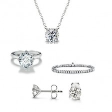 diamond jewellery set (ring, earrings, pendant, bracelet)