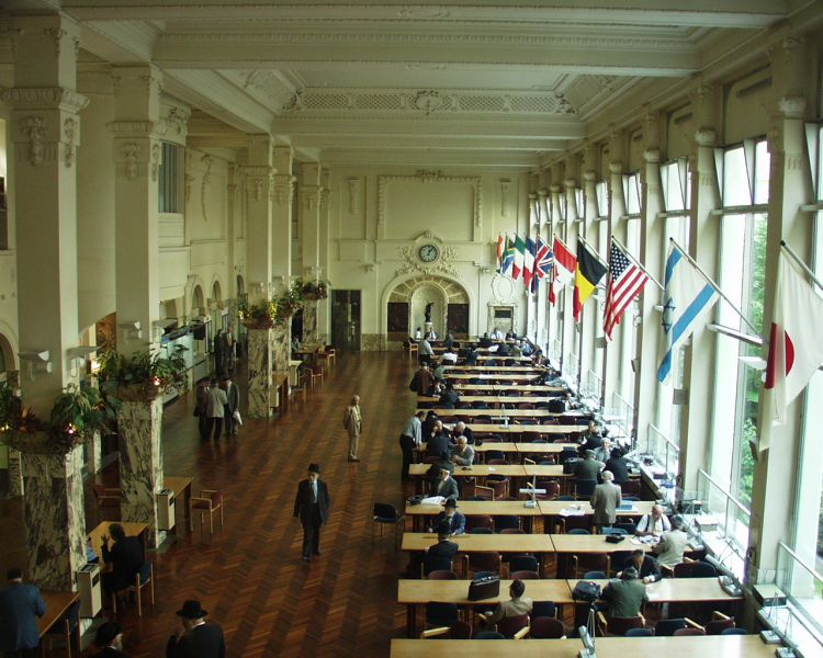 photo of the central hall of the Antwerp Diamond Bourse