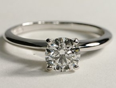 Round diamond classic solitaire ring